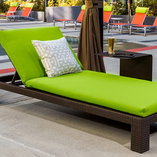 chaise-lounge-wicker